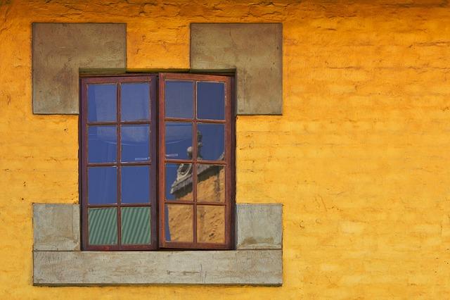 window-380710_640