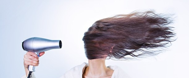 woman-drying-hair-586185_960_720-copy-2